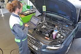 comment nettoyer des si es de voiture comment bien entretenir la climatisation de sa voiture l argus