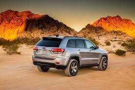 jeep trailhawk lift kit 2017 jeep grand cherokee trailhawk first drive motor trend canada