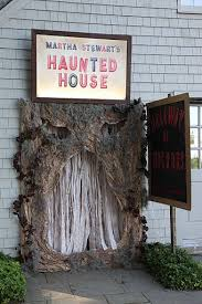 Haunted House Decorations Best 25 Halloween Maze Ideas On Pinterest Haunted House Party