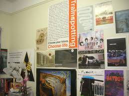 dorm room arrangement how to decorate your dorm room with photos and posters college