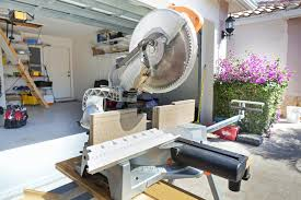 Miter Saw For Laminate Flooring How To Install Shoe Molding Or Quarter Round
