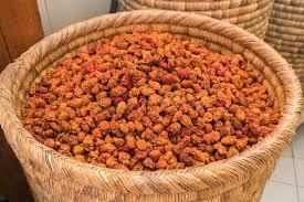 maroc cuisine traditionnel épices et herbes sur la rue stal au marché traditionnel du maroc