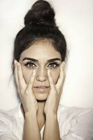 hairstyles that thin your face hairstyles and hacks to make your face look slimmer