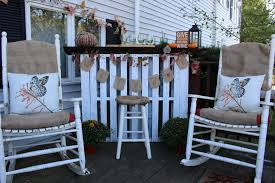 remodelaholic 9 cool wood projects november link party diy live wood top pallet bar our crafty mom pallet challenge