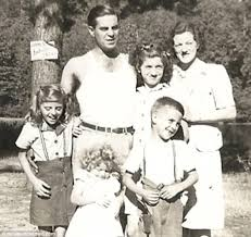 Gary Roberts Abducted Sisters - john hartley robertson us army veteran found living in vietnam