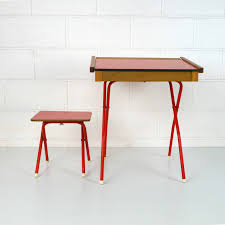 mobilier vintage enfant bureau enfant vintage la marelle mobilier et déco vintage pour