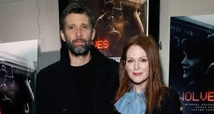 julianne moore supports husband bart freundlich at u0027wolves