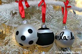 8 simple diy ornaments home and garden