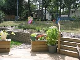 Sloped Backyard Ideas Ideas For Sloping Backyard And Retaining Wall