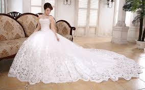 Wedding Dress With Train Wedding Dresses With Long Trains Dress Trends