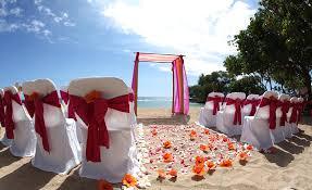hawaiian themed wedding hawaii weddings custom designed alters on oahu