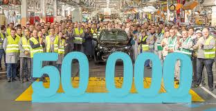 renault lease scheme 50 000th renault zoe electric car delivered after 200 000 nissan