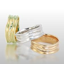 contemporary wedding rings wedding bands stardust 18k yellow or white gold diamonds