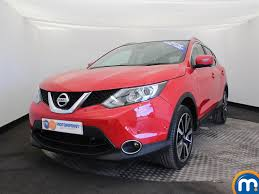 red nissan used nissan qashqai red for sale motors co uk