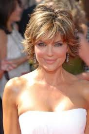 lisa rinnas hairdresser 9 lisa rinna hairstyles for short hair lisa rinna lisa and shorts