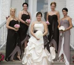 wedding dresses for of honor ways to distinguish of honor from bridesmaid in same dress