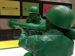 amazing halloween costumes and his girlfriend dress as plastic army men for halloween
