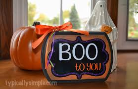 boo to you halloween sign typically simple