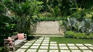 amazing small tropical backyard ideas tropical front yard