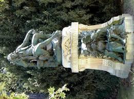 statues de jardin en pierre file p1020601 paris v statue de bernardin de saint pierre par