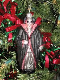 21 upsetting tree ornaments