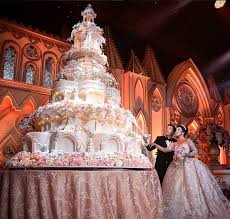 wedding cake castle princesses everywhere can their castle and eat it