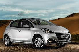 peugeot hatchback cars wallpaper peugeot 208 hatchback silver cars u0026 bikes 10286