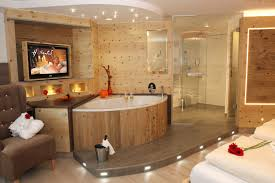 whirlpool im schlafzimmer wohlfühlzimmer hamonie deluxe bayerischer wald wellnesshotels 4