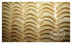 blog de cuisine marocaine moderne recette des cornes de gazelle marocaine حلويات مغربية كعب غزال
