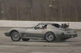 75 stingray corvette roadkill visits corvette sinkhole in 1975 stingray motor trend wot