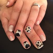 nails designs black white