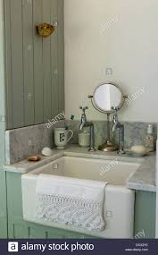 old fashioned bathroom sink befitz decoration