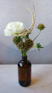 flower delivery minneapolis flowers gold flower delivery minneapolis minimalist flowers