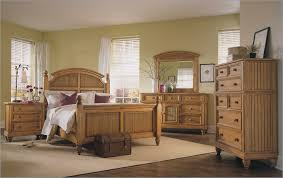 Venetian Bedroom Furniture Traditional Bedroom Design With Broyhill Oak Bedroom Furniture Set