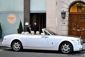 phantom car 2015 ufc champ conor mcgregor gets a 2015 rolls royce phantom drophead 11