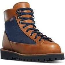 womens boots portland oregon great the hiking boots reese witherspoon wears in are