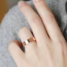 Wedding Ring Hand by Best 25 Cartier Wedding Rings Ideas On Pinterest Cartier