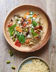 cuisiner du quinoa quinoa aux légumes et pistaches pour 6 personnes recettes à table