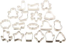 amazon com wilton holiday mini cookie cutter set of 12 2308 1250