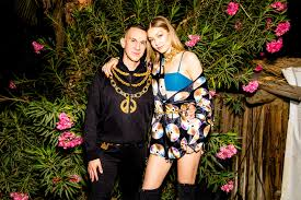 h m si e social moschino and h m in designer collaboration h m cz