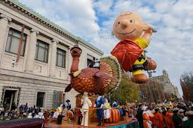 macy s parade what s on tv thursday the macy s parade and she s gotta it
