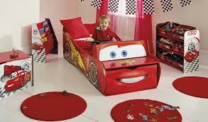 fun race car bedroom decor ideas disney cars lightning mcqueen