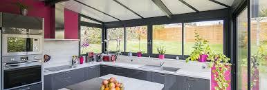 cuisine dans veranda vérandas cuisine votre espace cuisine aménagé dans une véranda sur
