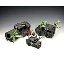 amazon com penn plax sunken car wreck aquarium decoration