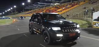 turbo jeep cherokee aussie jeep grand ckerokee srt sets 10 8s 1 4 mile record via rear