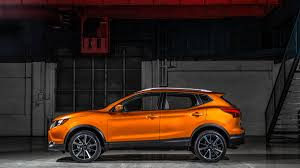 nissan rogue vs toyota rav4 2017 nissan rogue is the best selling non pickup in the us market