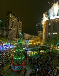 market commons tree lighting ceremony christmas tree menorah lighting events in seattle