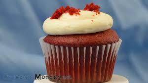 easy red velvet cupcakes cupcake monday