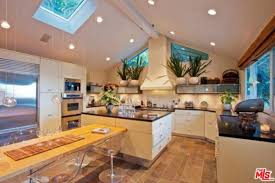rent a hollywood hills home owned by sandra bullock for 15k per