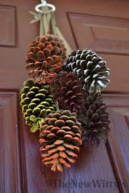 10 inspiring diy decor ideas with pinecones gleamitup me